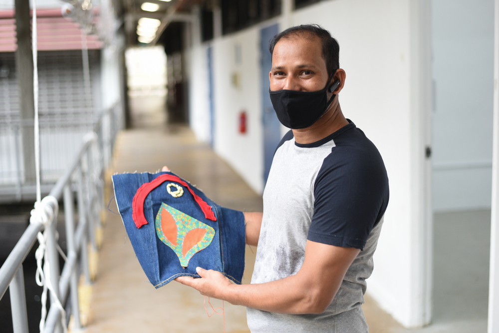 Migrant workers express their feelings and thoughts through art