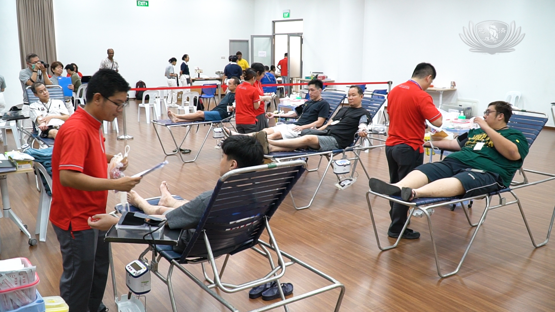 The public is still donating blood amid coronavirus pandemic